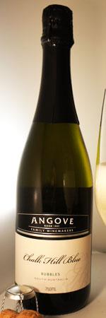 チョーク・ヒル・ブルー・スパークリング アンゴーヴス ボトル画像